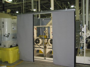 Sound curtains with access around hydraulic pump